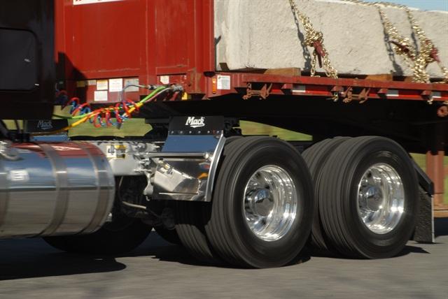 m-hdtapr14-tire1-ajp-1